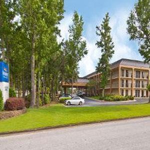 View of Baymont Inn & Suites Pensacola, FL